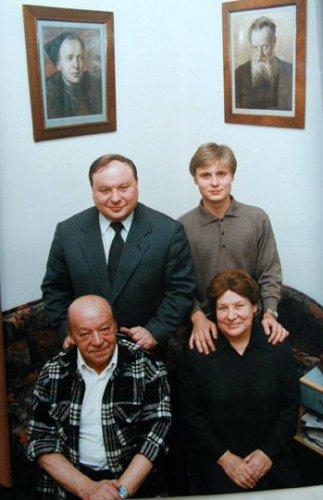Тимур Гайдар - знаменитый житель Новой Риги (пос. Красновидово)